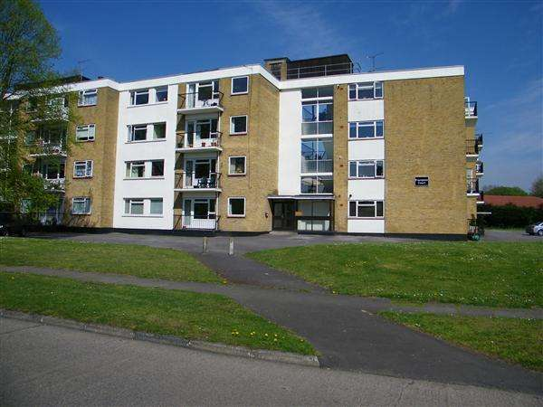 2 Bedrooms Apartment Flat for sale in Frampton Court, Denham