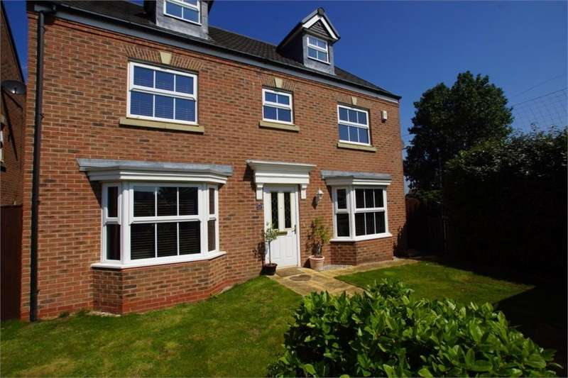 5 Bedrooms Detached House for sale in Woodlands View, Ansdell, Lancashire