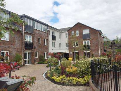 1 Bedroom Retirement Property for sale in The Limes, Booths Hill Close, Lymm, Cheshire