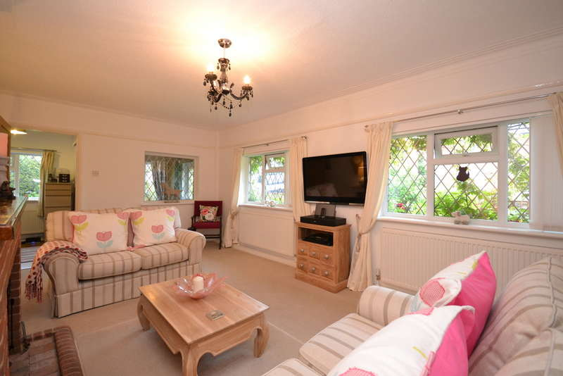 4 Bedrooms Chalet House for sale in School Green Road, Freshwater, Isle of Wight