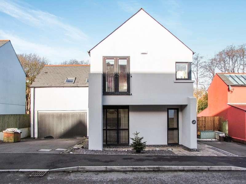 5 Bedrooms Detached House for sale in Duffryn Oaks Drive, Pencoed, Bridgend. CF35 6LZ