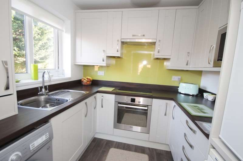 2 Bedrooms Flat for sale in The Park, Liverpool, Merseyside, L36