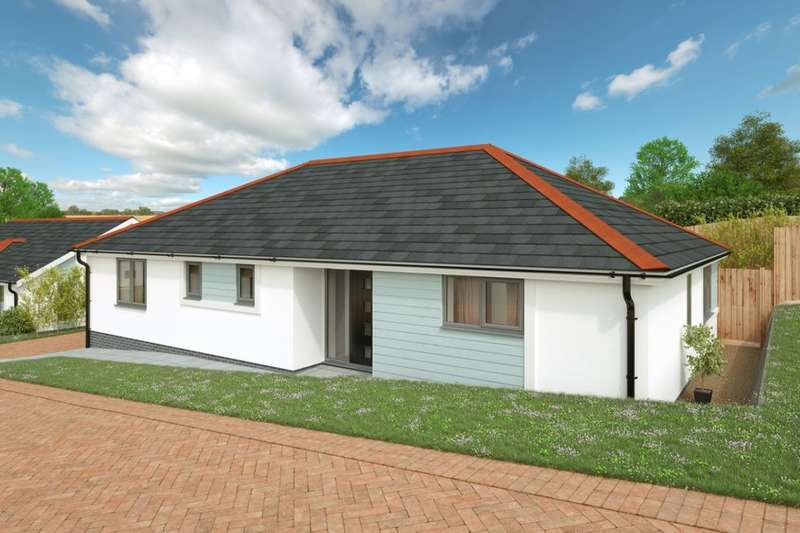 3 Bedrooms Detached Bungalow for sale in Tremeadow Rise, Trewoon, St. Austell, PL25