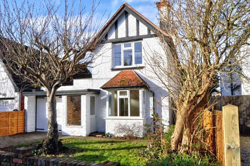 3 Bedrooms Detached House for sale in Central Marlow. With Extension Potential (stpp)