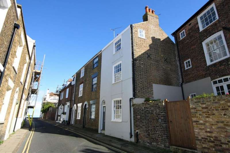 2 Bedrooms Cottage House for sale in North Street, Deal