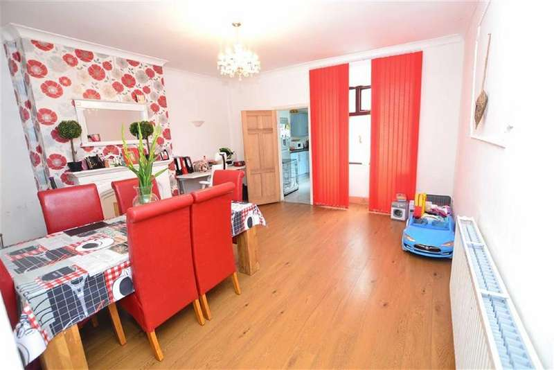 3 Bedrooms Terraced House for sale in Rossendale Road, Burnley, Lancashire