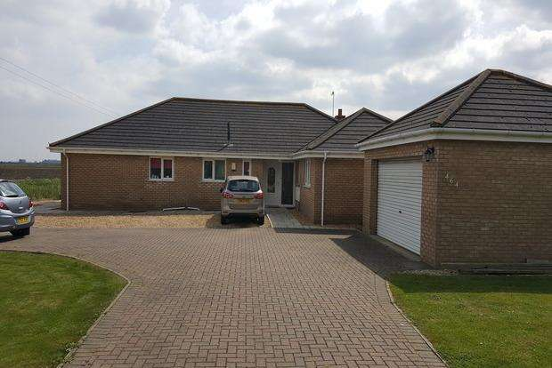 4 Bedrooms Detached Bungalow for sale in March Road, Turves, Peterborough, PE7