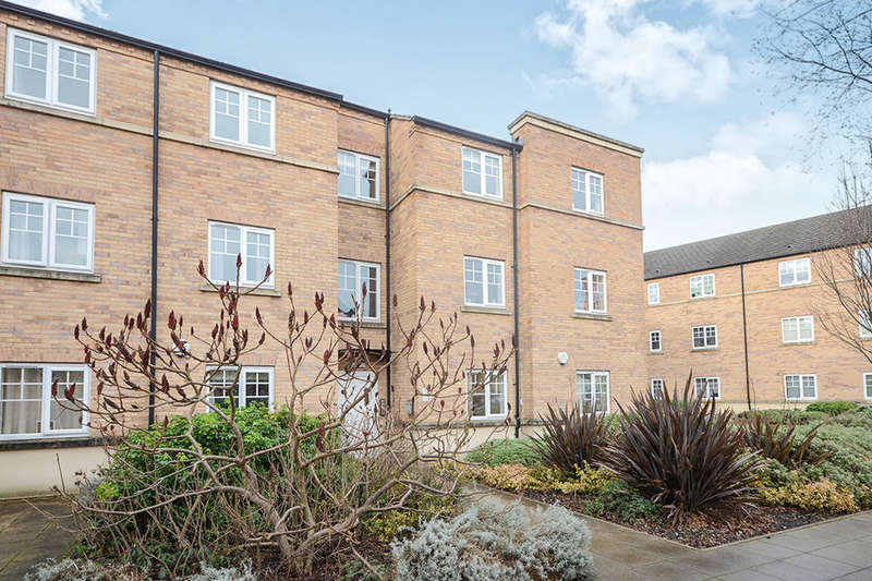 2 Bedrooms Flat for sale in Birch Close, Huntington, York, YO31