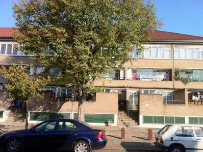 2 Bedrooms Maisonette Flat for sale in Millicent Fawcett Court, Pembury Road, Tottenham, London