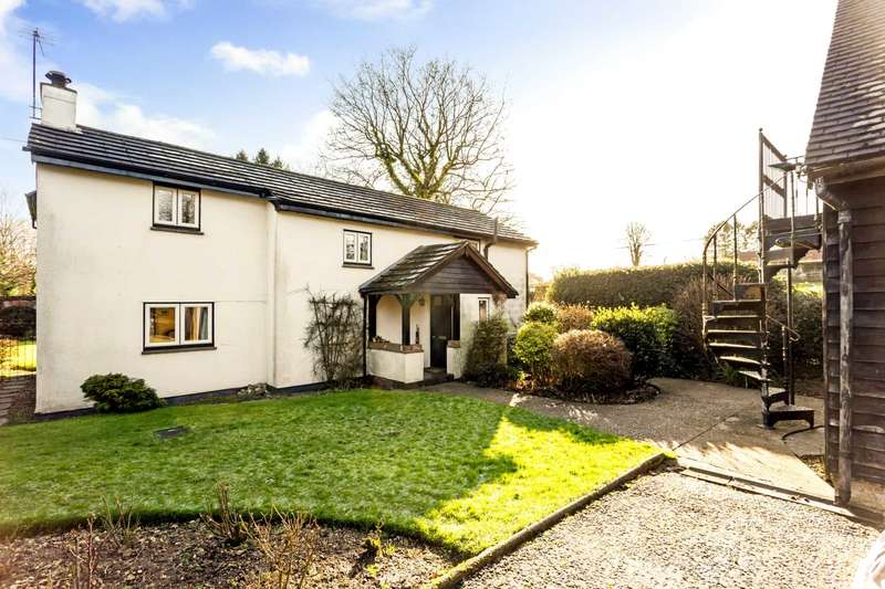 4 Bedrooms Detached House for sale in Bottom Road, Buckland Common