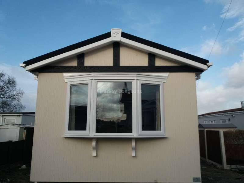 1 Bedroom Park Home Mobile Home for sale in Gladstone Way, Mancot, Deeside