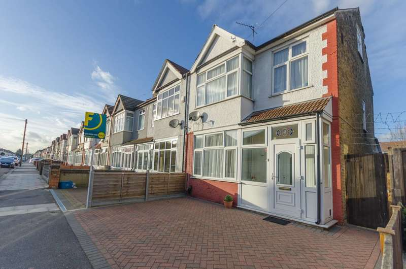 3 Bedrooms End Of Terrace House for sale in Eton Road, Ilford, IG1