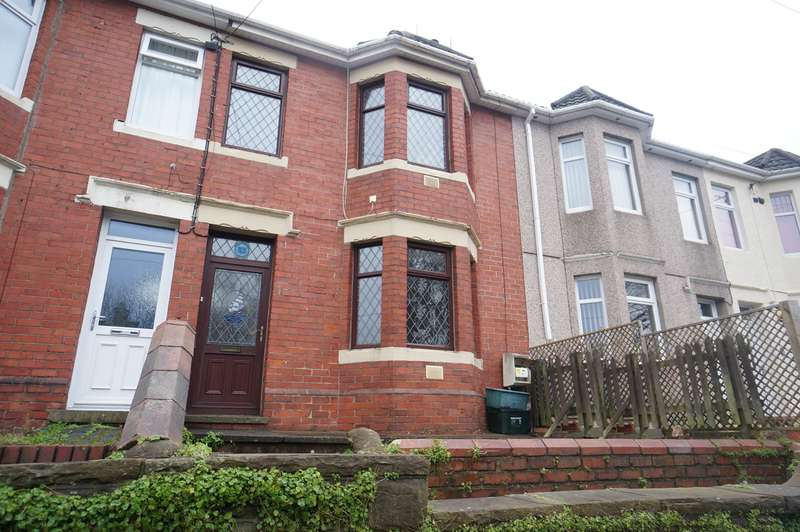 3 Bedrooms Terraced House for sale in Risca Road, Rogerstone, Newport, NP10