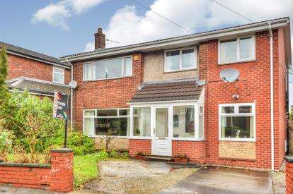 4 Bedrooms Detached House for sale in Westbourne Avenue South, Burnley, Lancashire, BB11
