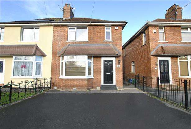 3 Bedrooms Semi Detached House for sale in Raynes Road, BRISTOL, BS3 2DJ