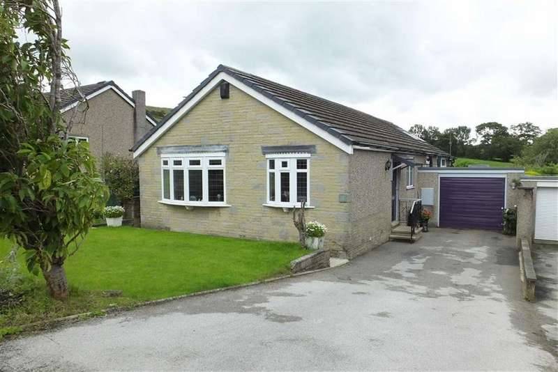 3 Bedrooms Bungalow for sale in Barnwood Crescent, Earby, Lancashire, BB18