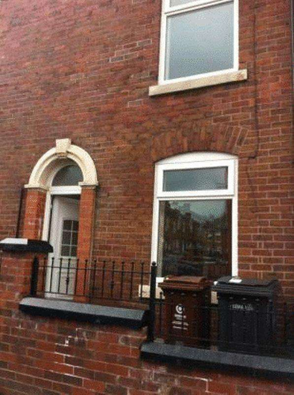 2 Bedrooms Terraced House for sale in 29 Mansfield Road OLDHAM