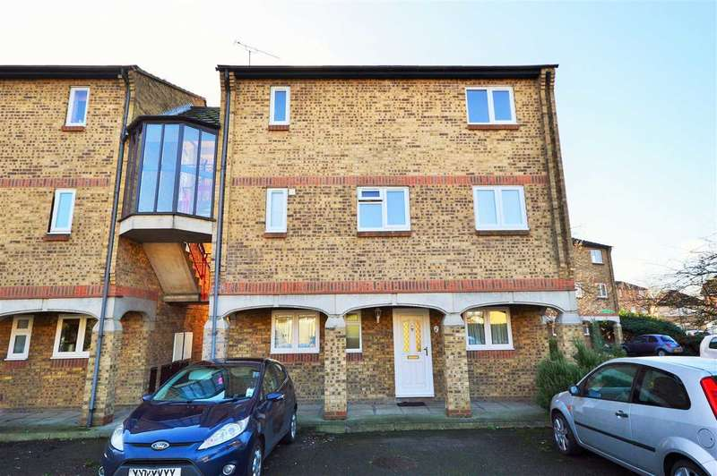 2 Bedrooms Maisonette Flat for sale in Fairfax Avenue, Basildon