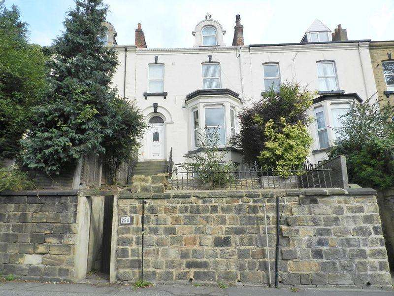 5 Bedrooms Terraced House for sale in Burley Road, Leeds