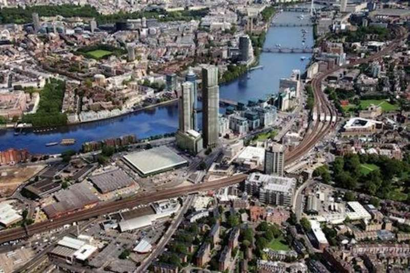 2 Bedrooms Apartment Flat for sale in Sky Gardens, Wandsworth Road, SW8, London