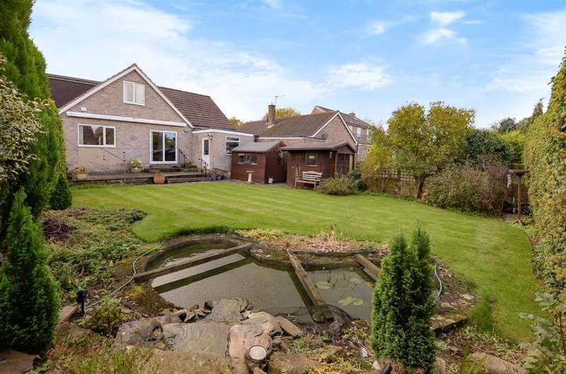 3 Bedrooms Detached House for sale in Red Bank Drive, Ripon, HG4 2LF