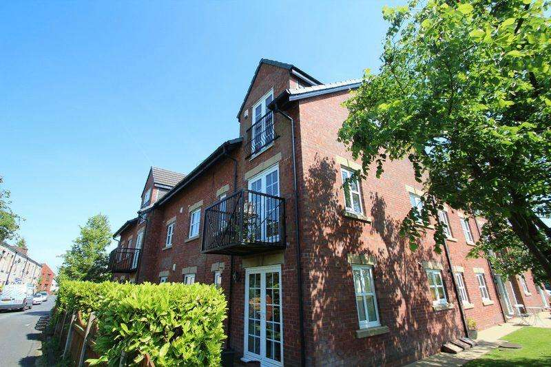 2 Bedrooms Apartment Flat for sale in Burns Court, Hollin Lane, Bamford OL11 5AR