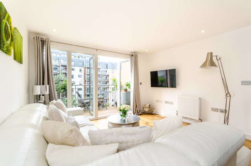1 Bedroom Flat for sale in Seren Park Gardens, Blackheath, SE3