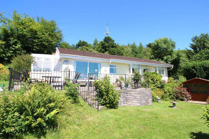 3 Bedrooms Detached Bungalow for sale in Penrhiw Lane, Machen, Caerphilly