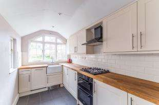 3 Bedrooms Terraced House for sale in Queen Anne Road, Maidstone, Kent, .