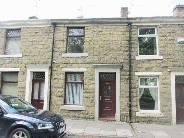 2 Bedrooms Terraced House for sale in Rishton Road Clayton-le-Moors