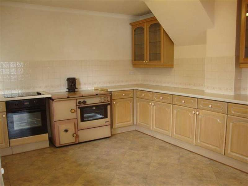 4 Bedrooms Terraced House for rent in SAN REMO, COEDKERNEW, NP10 8UF