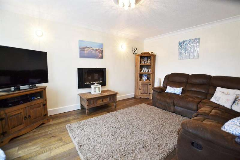 5 Bedrooms Semi Detached House for sale in Saundersfoot