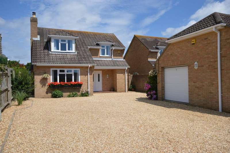 4 Bedrooms Detached House for sale in Milton Grove, New Milton