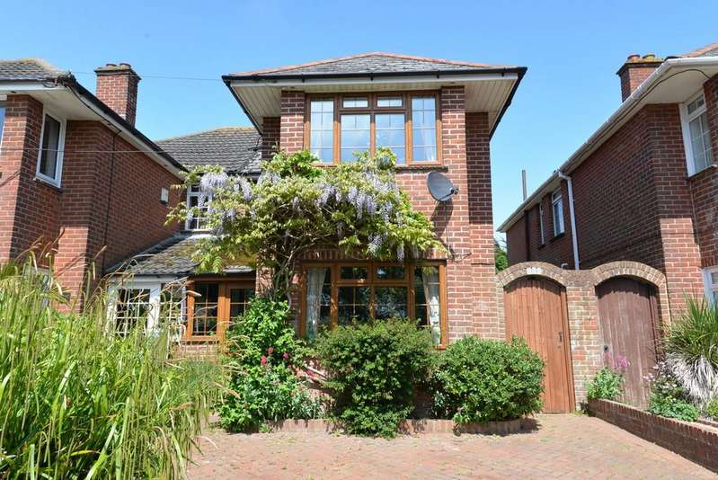 3 Bedrooms Semi Detached House for sale in Gore Road, New Milton