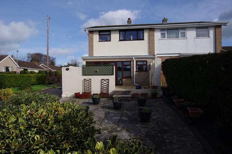2 Bedrooms Semi Detached House for sale in Narrow Lane, Llandudno Junction