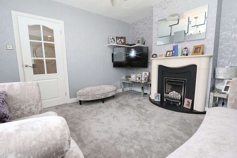 3 Bedrooms Semi Detached House for sale in Patterdale Avenue, Whitehaven, Cumbria, CA28 8RX