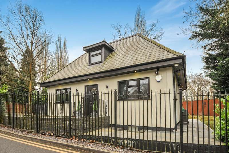 3 Bedrooms Detached House for sale in Westbury Road, Northwood, Middlesex, HA6