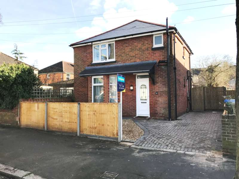 3 Bedrooms Detached House for sale in King Edward Avenue, Southampton