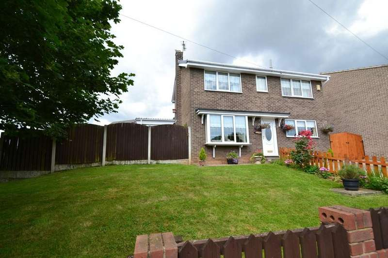 3 Bedrooms Detached House for sale in Greenacre Road, Upton, Pontefract