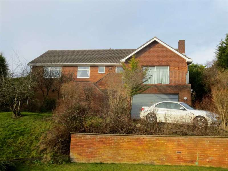 3 Bedrooms Bungalow for sale in Stepney Rise, Scarborough