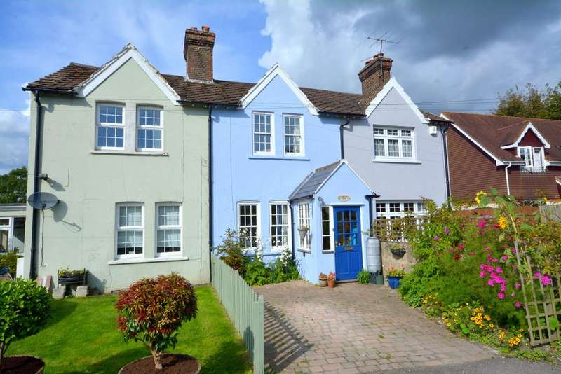 3 Bedrooms Terraced House for sale in Houghton Bridge