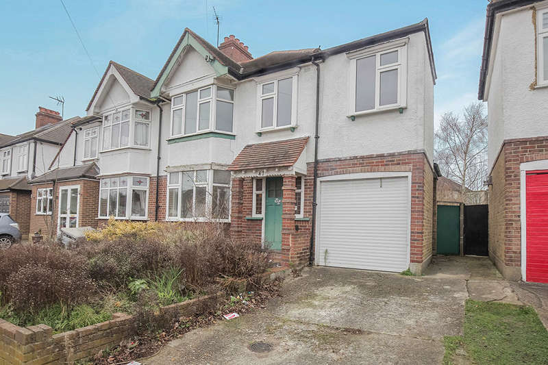 3 Bedrooms Semi Detached House for sale in Chiltern Drive, Surbiton, KT5