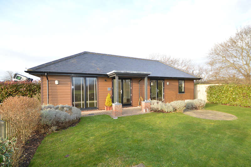 Office Commercial for rent in The Stables, 22 Ringwood Road, Longham, Ferndown, BH22 9AN