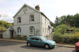 3 Bedrooms Terraced House for sale in Railway Terrace, Bepton Road, Midhurst, West Sussex