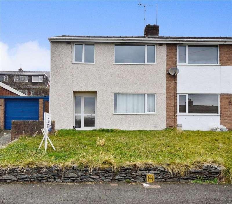 3 Bedrooms Semi Detached House for sale in Bron Y De, Bangor, North Wales