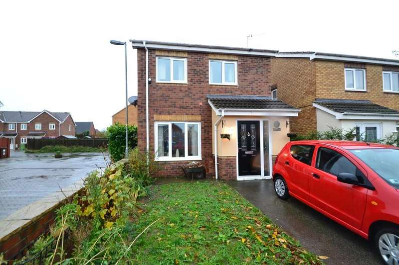3 Bedrooms Detached House for sale in Northfield Grove, South Kirkby, Pontefract