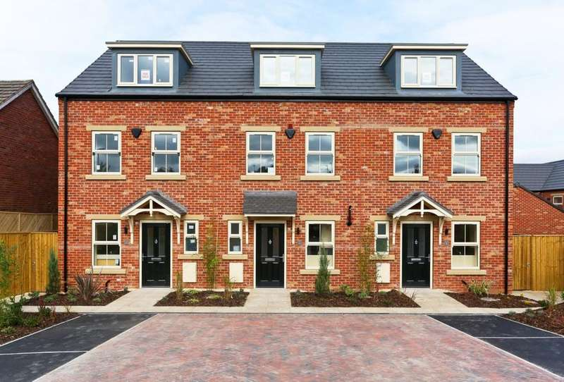 3 Bedrooms Town House for sale in Weavers Green, Slack Lane