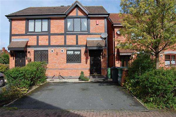 2 Bedrooms Town House for rent in Turton Close, Bloxwich, Walsall,