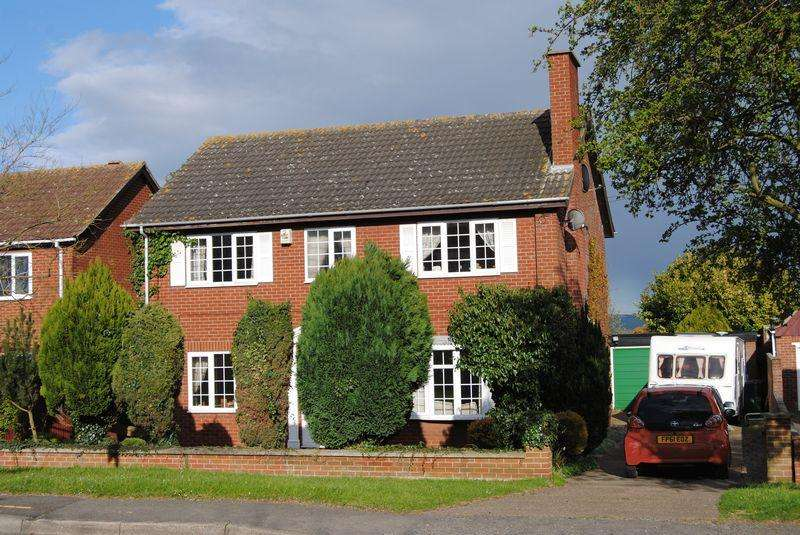 4 Bedrooms Detached House for sale in North Street, Winterton, Scunthorpe