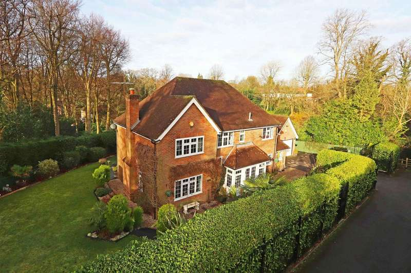 5 Bedrooms Detached House for sale in Manor Road, Penn, HP10